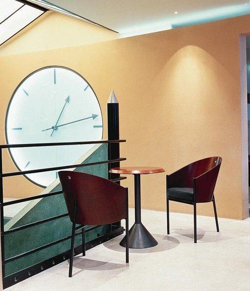 l 39 histoire du fauteuil mythique costes par philippe stark. Black Bedroom Furniture Sets. Home Design Ideas